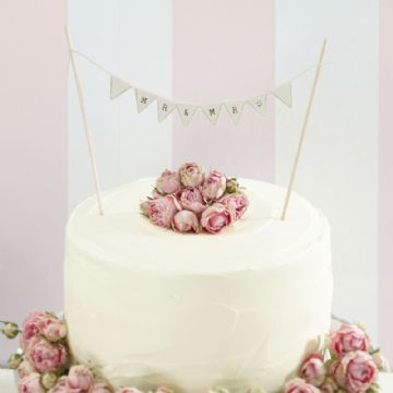 Mr & Mrs Mini Wedding Cake Bunting - Ivory